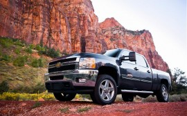 2011-chevrolet-silverado-2500HD-front-left-view