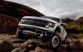 2013-Ford-Raptor-SVT-drivers-side-three-quarters-623×389